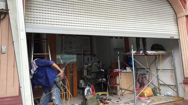 Sửa chữa cửa cuốn tại Ngã Tư Sở