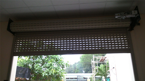 Sửa chữa cửa cuốn tại Ô Chợ Dừa