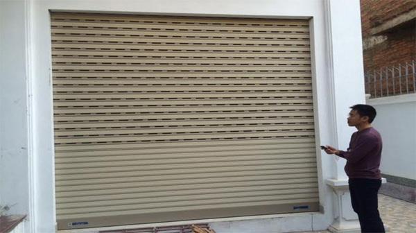 Sửa chữa cửa cuốn tại Quang Trung